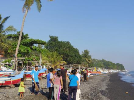 Gotong Royong di Banjar Dinas Kutabanding